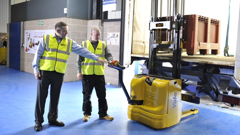 7 Tips To A Safer Warehouse