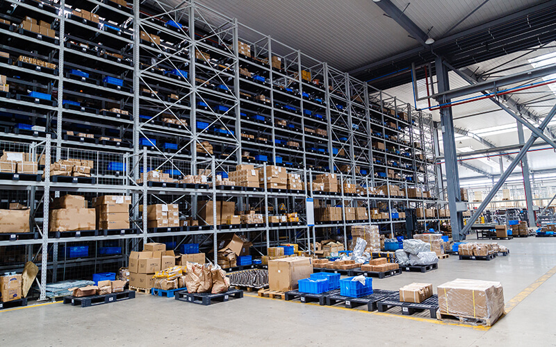 Dedicated Warehousing versus Shared Warehousing